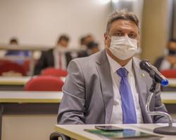 Para Júlio, Sílvio está certo em não apoiar Bolsonaro no 1º turno