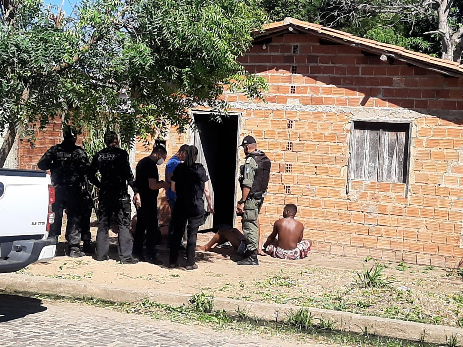 Dois homens foram presos e dois apreendidos na ação - Foto: Divulgação/Polícia Civil