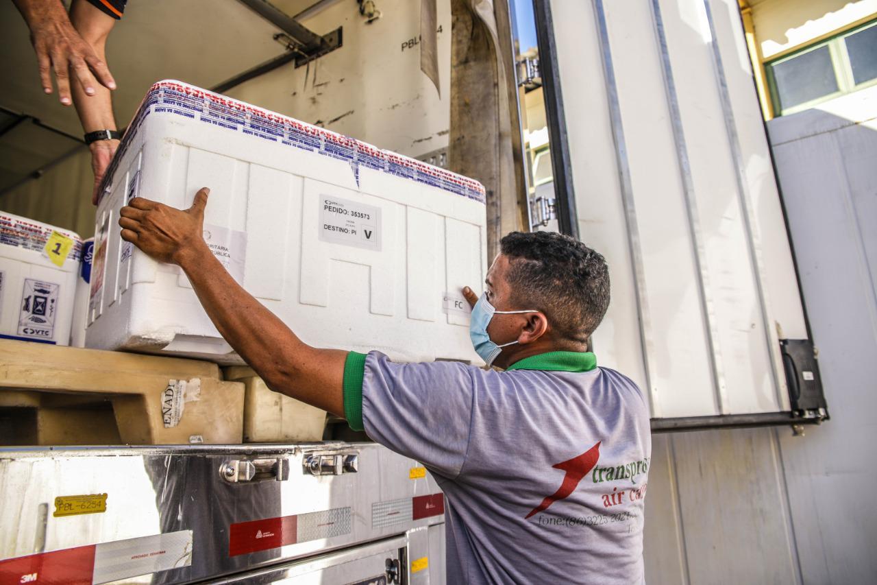 Estado do Piauí recebe mais de 116 mil doses de vacinas contra a Covid-19 (Foto: Sesapi)