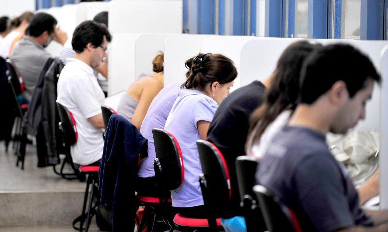 Vários concursos públicos estão abertos em todas as regiões do país - Foto: Agência Brasil