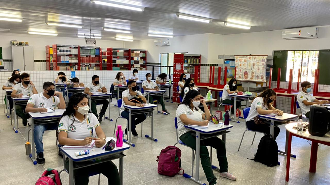 Aulas da rede pública estadual retornam com metade dos alunos e distanciamento - Foto: Divulgação