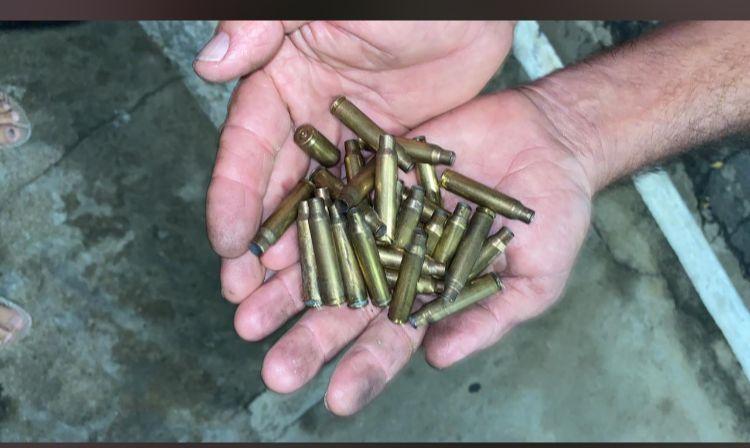 Diversas municões foram encontradas no local