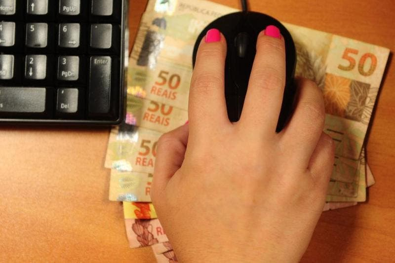 Golpes fazem vítimas no e-comerce (Foto:Diogo Sallaberry / Agencia RBS)