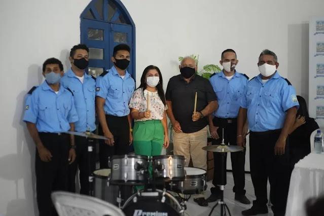 Prefeitura entrega novos instrumentos para a banda 26 de Julho - Imagem 1