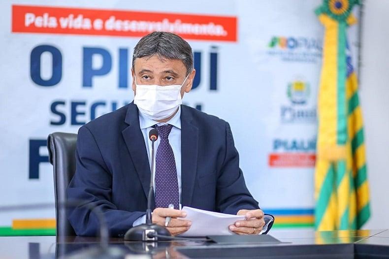Wellington Dias assina novo decreto com medidas restritivas no combate a covid-19 no Piauí