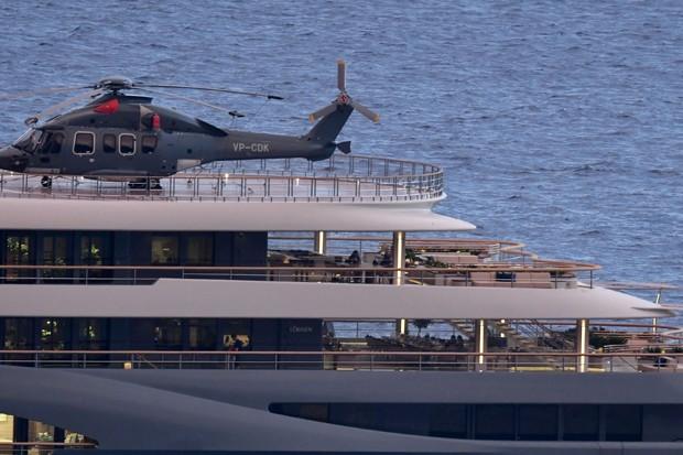 Iate de Jeff Bezos tem até heliponto (Foto: The Grosby Group)