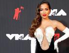 Anitta se apresenta pela 1º vez no VMA 2021 nos EUA com look glamuroso
