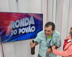 """DIA DA CACHAÇA: Elenco do Ronda encena a """"marvada da pinga""""."""