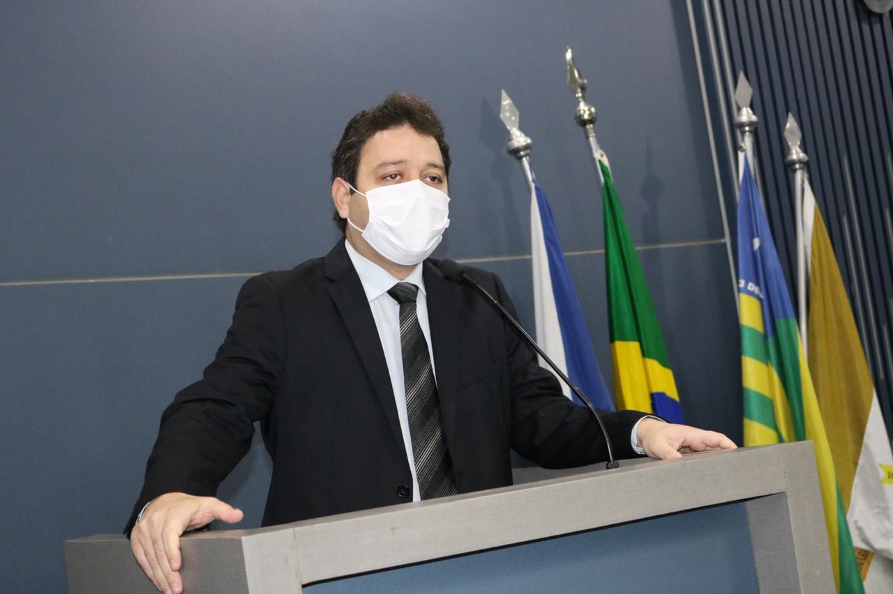 Evandro Hidd quer mais transparência em programas habitacionais da capital