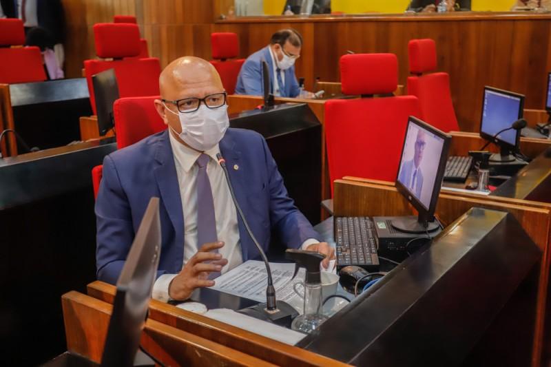 Deputado Franzé Silva denuncia ataques às suas redes sociais (Thiago Amaral)