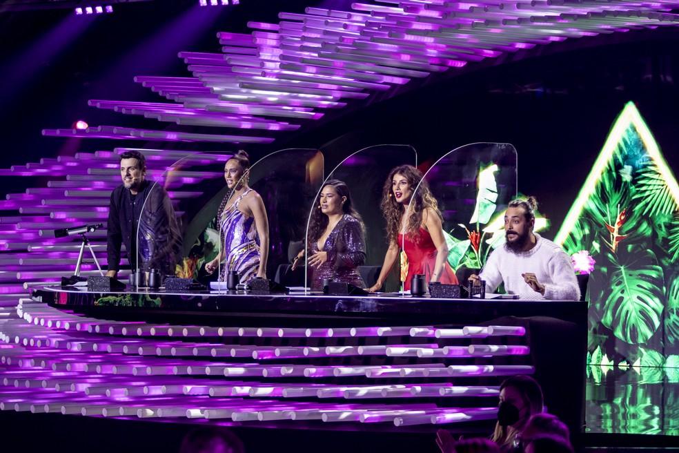 Paula Fernandes foi a convidada especial que fez parte dos jurados da noite. (Foto: Globo-Kelly Fuzaro)