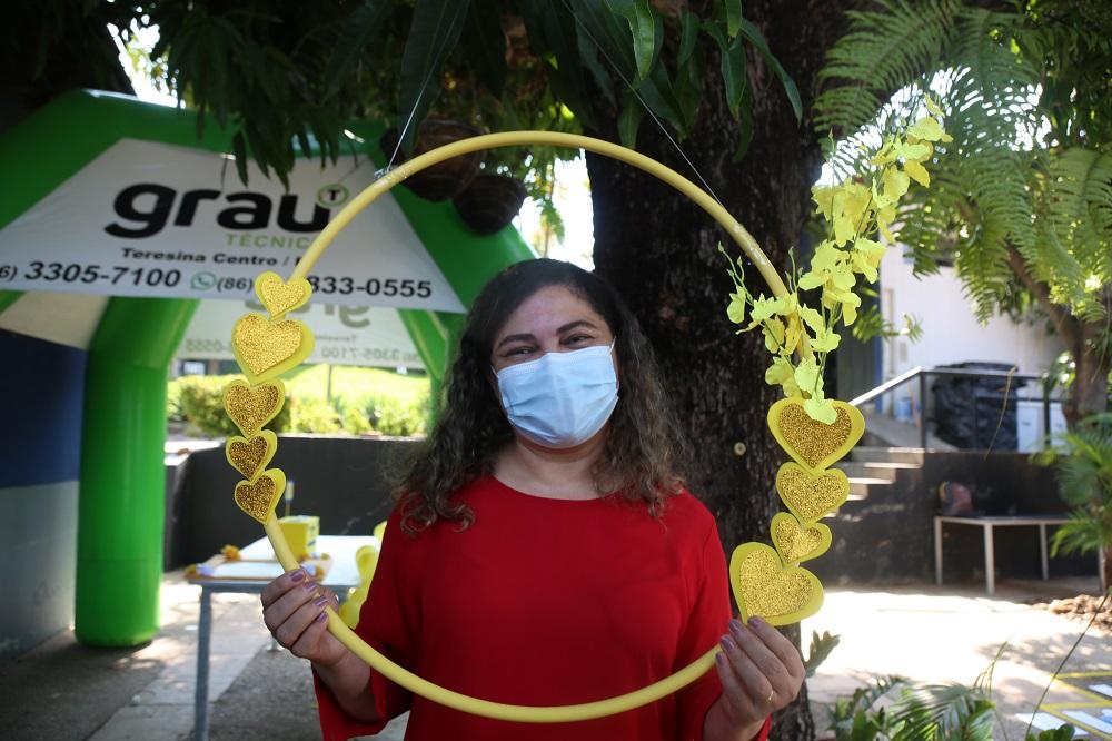 A Diretora administrativa do GMNC, Valdenize Melo, acompanhou ação- Foto: Efrém Ribeiro