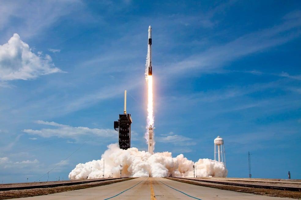 Lançamento de um foguete Falcon 9 da SpaceX em 30 de maio de 2020 no Kennedy Space Center — Foto: Divulgação/SpaceX