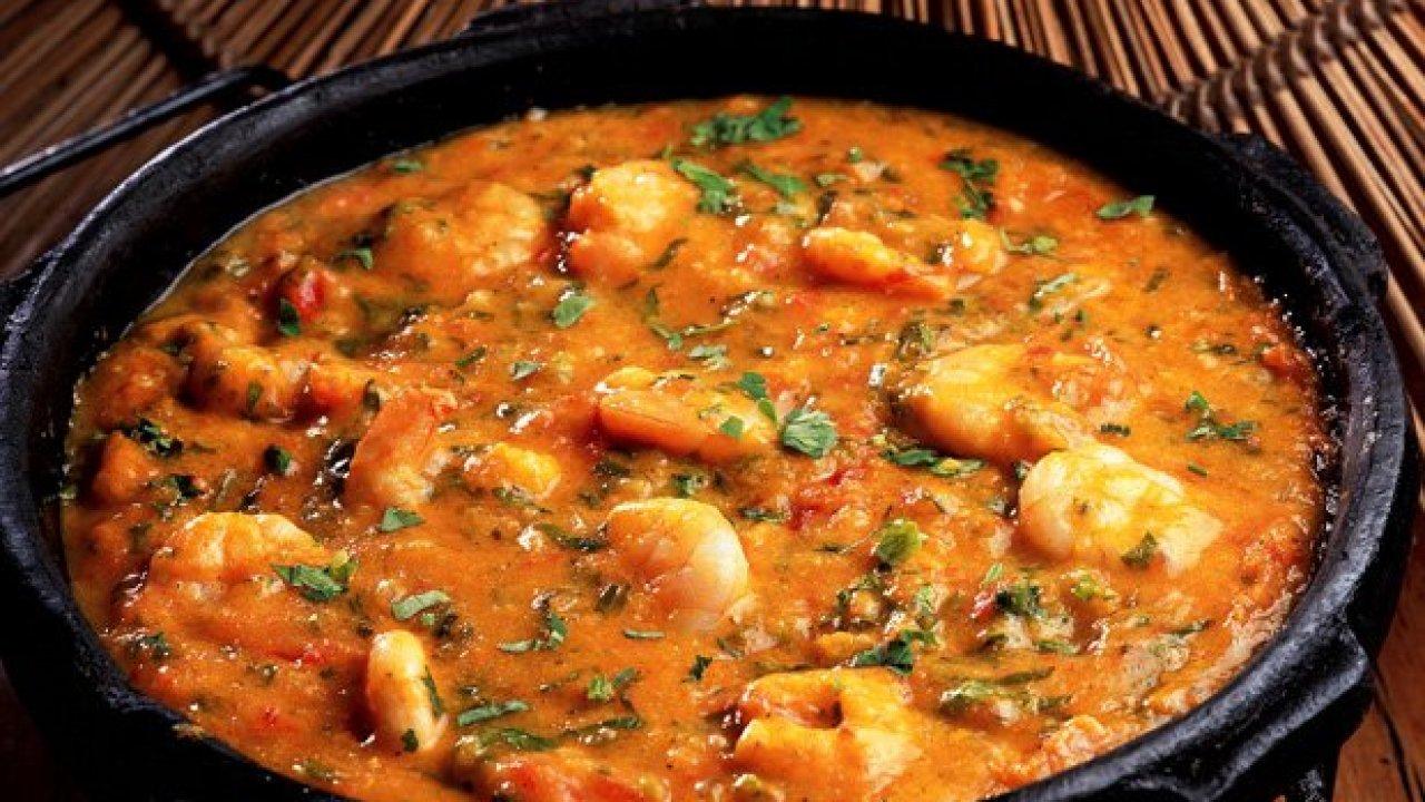 O bobó de camarão não é um prato complicado de se fazer, mas muitas pessoas erram principalmente pela falta dos ingredientes adequados