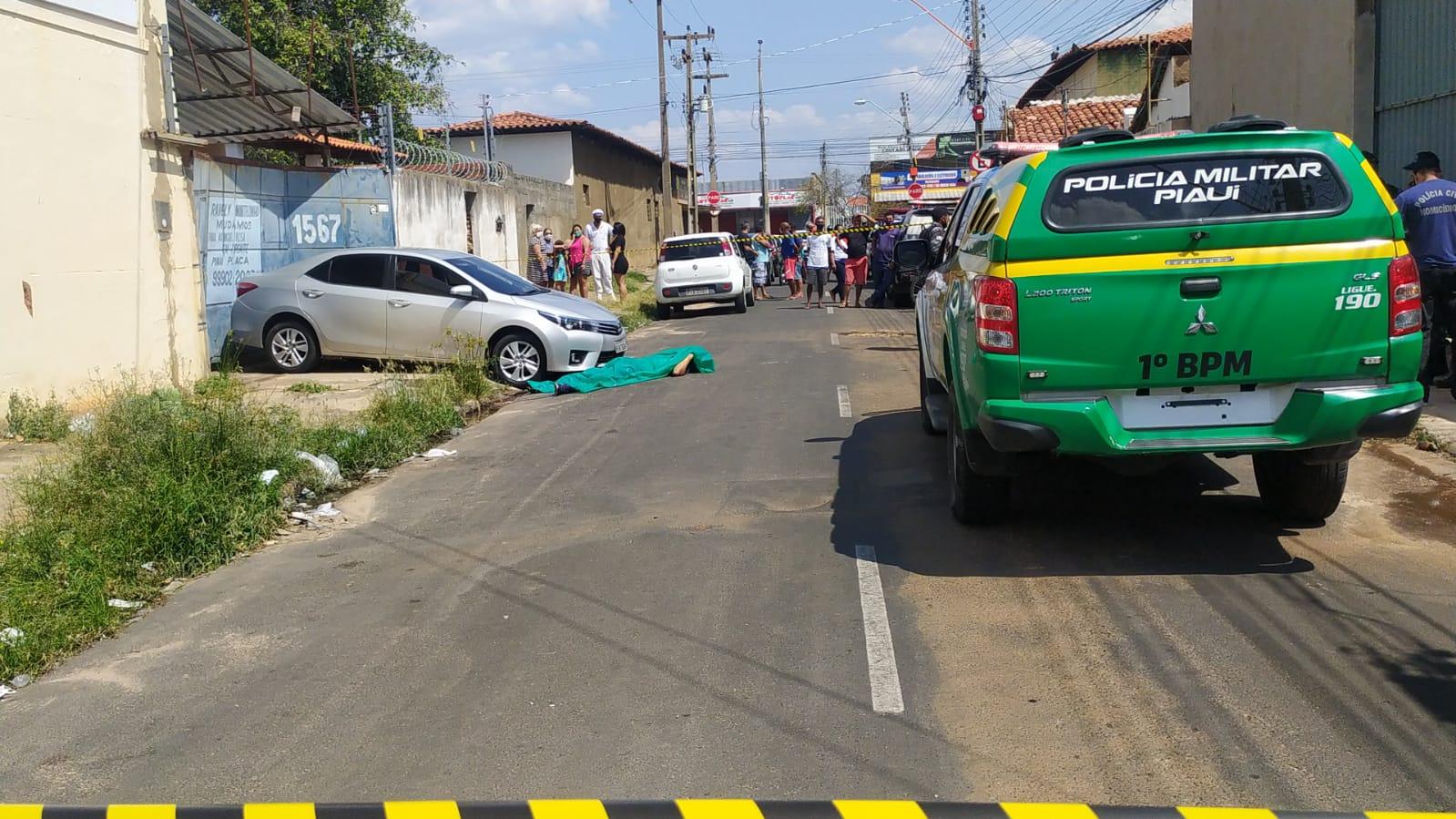 Criminoso é morto a tiros após tentar assaltar policial em Teresina; (Foto: Ivan Lima/ Rede Meio Norte)