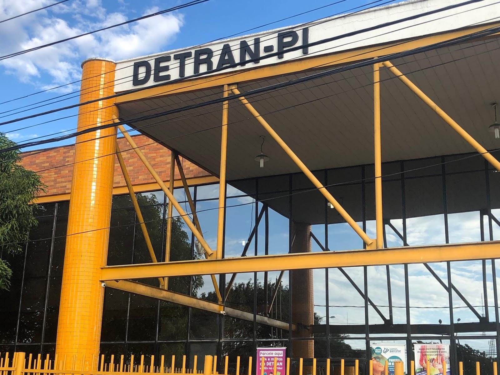 Governo proíbe credenciamento de donos de sucatas que sejam parentes até 3° graus de servidores do Detran -Foto: Facebook