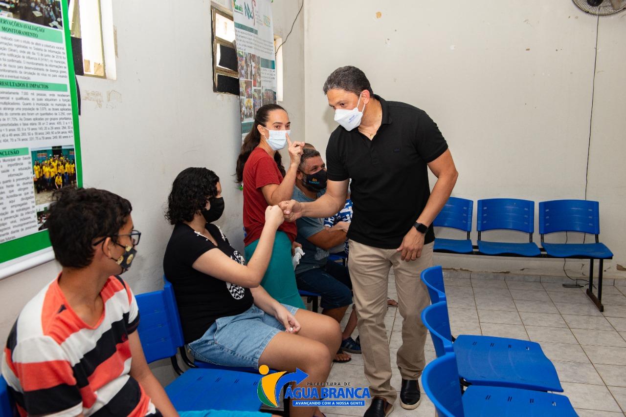 Covid-19: Água Branca inicia vacinação de adolescentes de 12 a 17 anos - Imagem 1