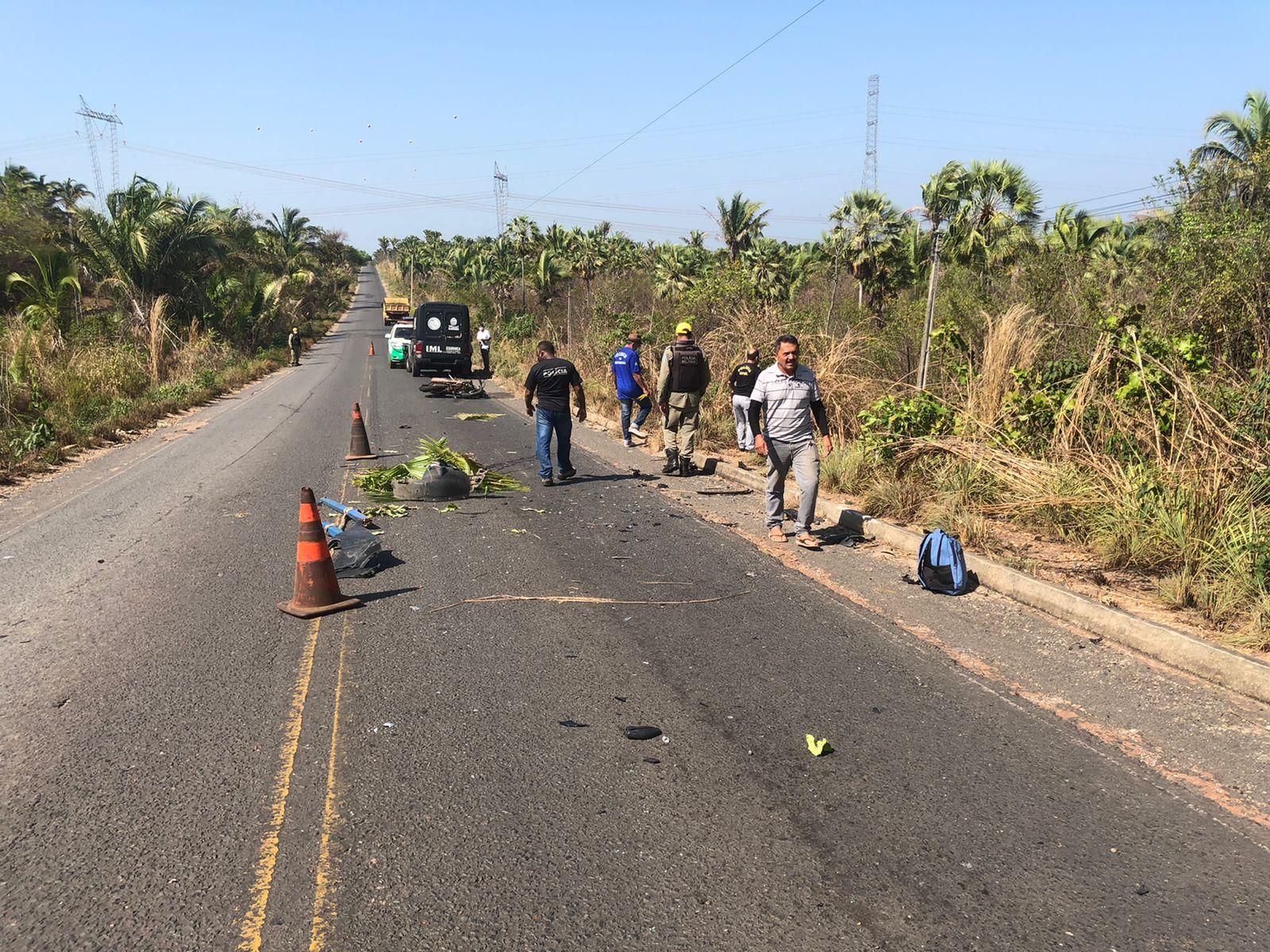 Motociclista morreu após colidir frontalmente contra carro na PI-130 - Fotos: Matheus Oliveira/ Portal MN