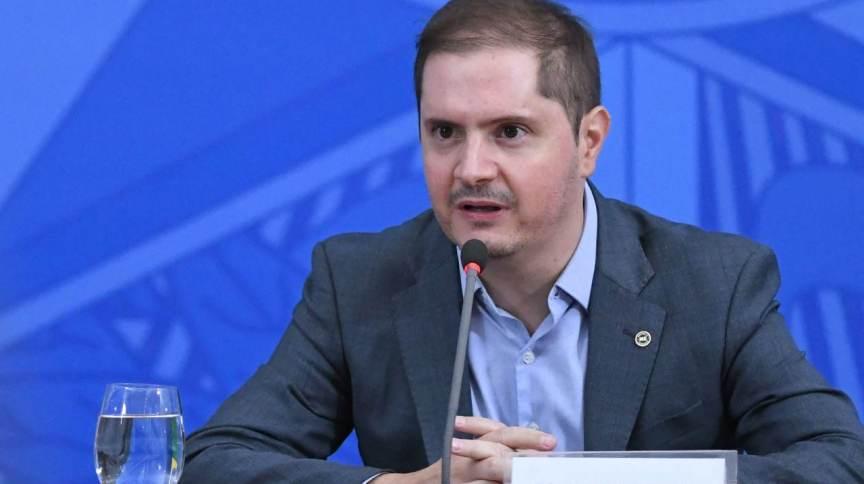 Ministro da AGU testa positivo para a Covid-19