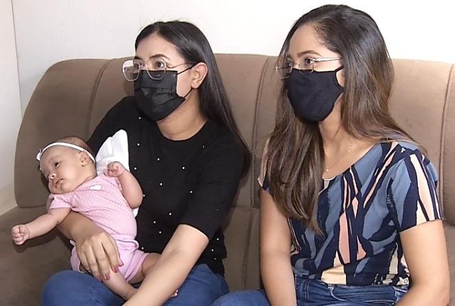 Filha, mãe e a doula.