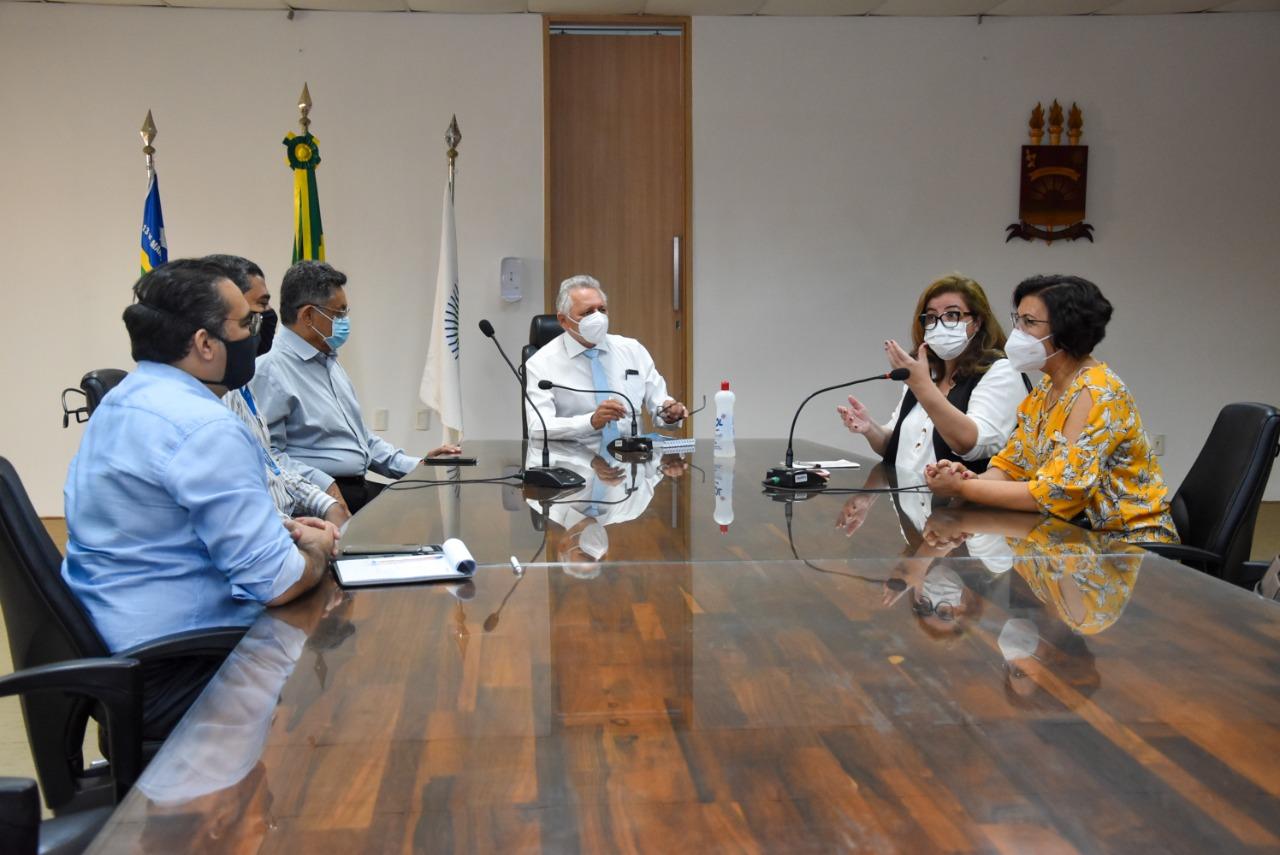 As providências foram autorizadas em reunião na reitoria da UFPI, com a coordenadora do curso, professora Patrícia Batista - Foto: Ascom