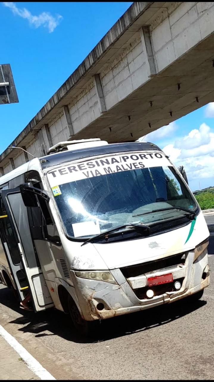 Veículos clandestinos, em péssimas condições, estão proibidos de circular no Piauí