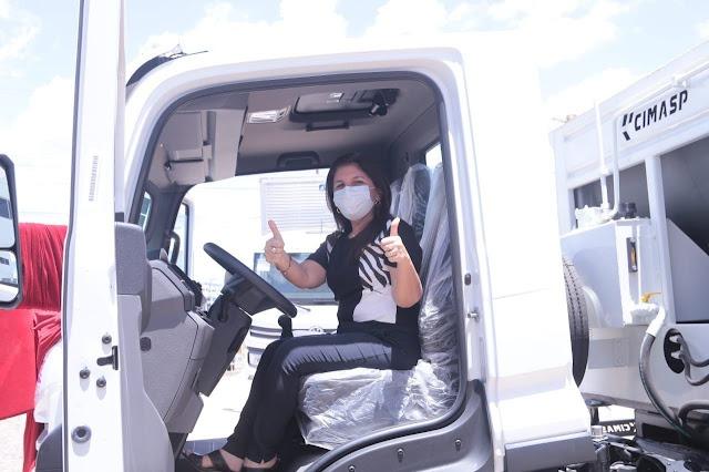 Luís Correia recebe caminhão compactador para a coleta de lixo - Imagem 4