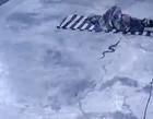 Vídeo: cobra aterrorizante desliza em indiano que dormia em varanda