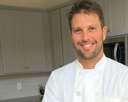 Ex-ator da Globo, Gustavo Leão vira chef em restaurante da Disney