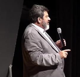 Palestra com Mário Sérgio Cortella lota auditório da Audi Center Teresina