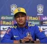 Repórter do Portal Terra tenta humilhar Neymar durante entrevista