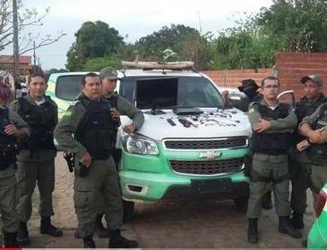 Policiais prendem acusado de tráfico de drogas em Demerval Lobão