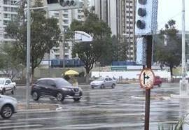 Chuva causa problemas em bairros em São Luís