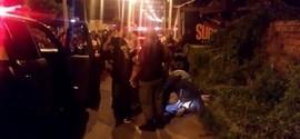 Homem é morto na frente da mãe no bairro Vale Quem Tem em Teresina