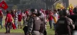 Ministérios são incendiados em protesto contra Michel Temer em Brasília