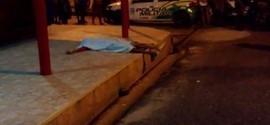 Jovem de 20 é assassinado em frente a um bar na zona sudeste de Teresina