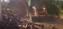Duas casas são demolidas na Vila da Paz, zona sul de Teresina