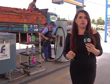 Dupla é presa duas horas após fazer arrastão em Posto de Combustíveis