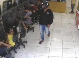 Crianças têm arma apontada para cabeça durante assalto em Picos