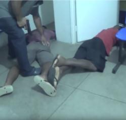 Motorista aciona polícia durante assalto dentro de transporte coletivo e suspeitos são presos