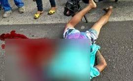 Adolescente morre ao colidir moto em caminhonete no Dirceu
