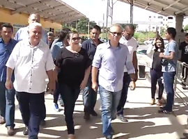 O prefeito Firmino Filho visita obras em Teresina