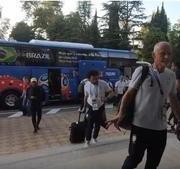 Seleção Brasileira é recebida por torcida em São Petersburgo para enfrentar a Costa Rica