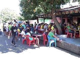 Teresinenses se reúnem nas ruas para assistir jogo do Brasil