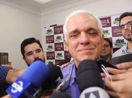 Themístocles diz que vai ter nova reunião amanhã para avaliar decisão de W. Dias