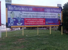 Prefeitura de Parnaíba é suspeita de mandar derrubar outdoors de empresa no litoral do PI