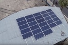 Placas de energia solar são instaladas e vão fazer a iluminação de praça pública