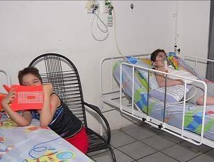 Gêmeos precisam de ajuda para realizar transplante de pulmão