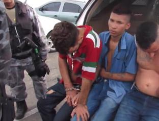 Integrante do PCC é arrastado por companheiros durante fuga