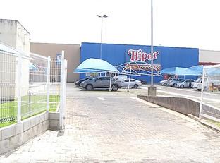 Bandidos roubam mais de 300 produtos de hipermercado na Z.Leste de THE